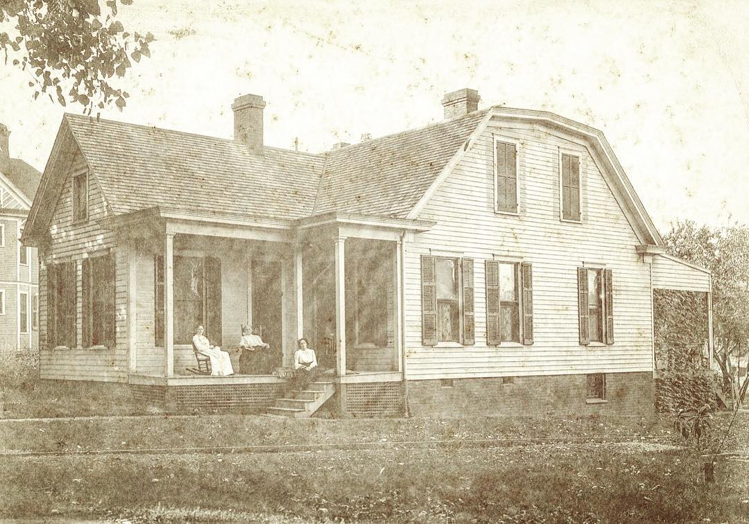 1904 image of the Bough House